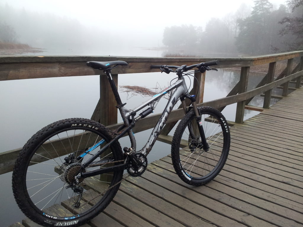 Vélo sur un pont
