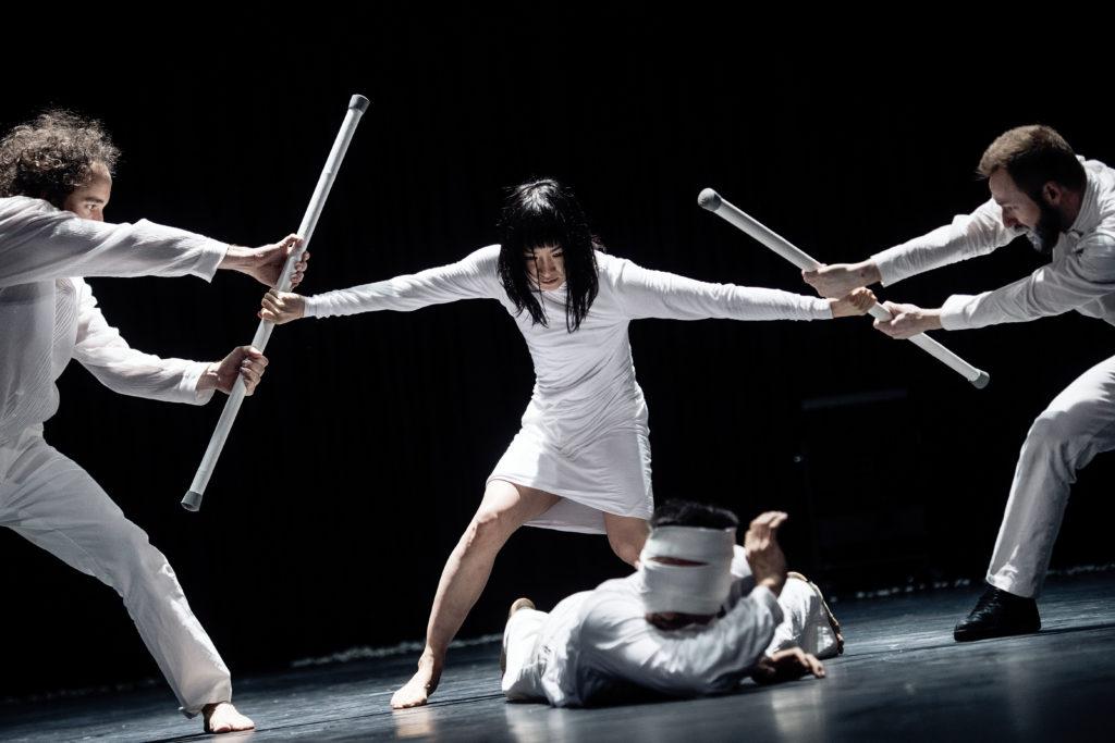 Manuel Ronda, Ruri Mito, Kenta Kojiri et Ross Martinson dans le ballet PUUR