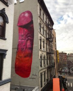 Pénis rose géant de Carolina Falkholt à New York