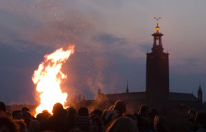 Feu de Valborgmässoafton à Stockholm