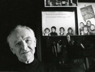 Robert Doisneau, dans son studio de Montrouge, 1992