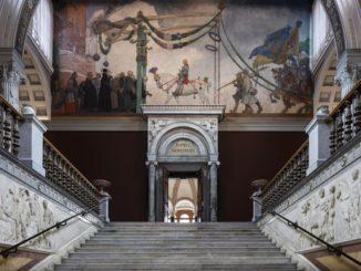 Escalier du Nationalmuseum et fresque de Carl Larsson