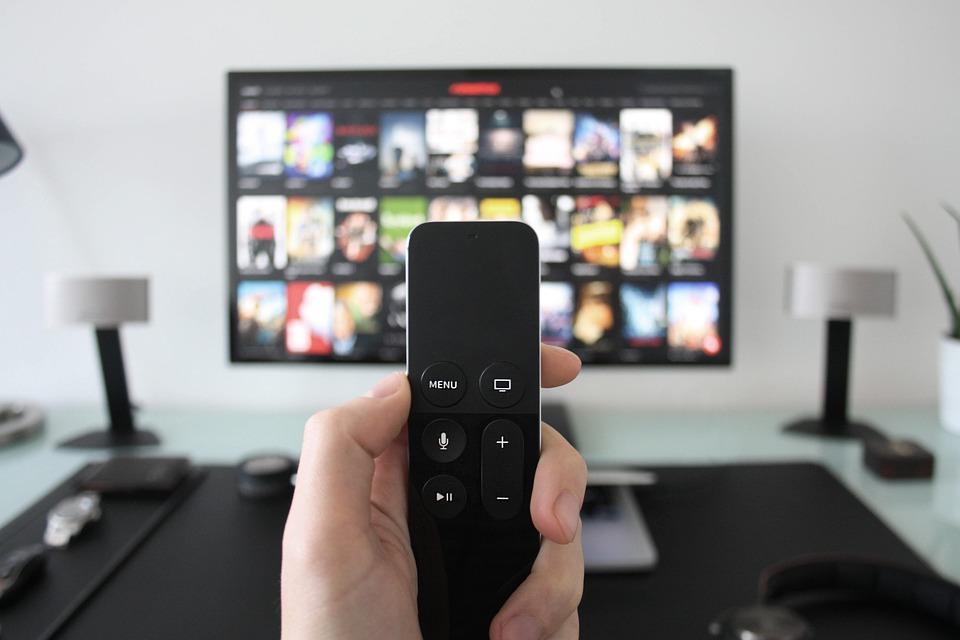 Télévision et télécommande