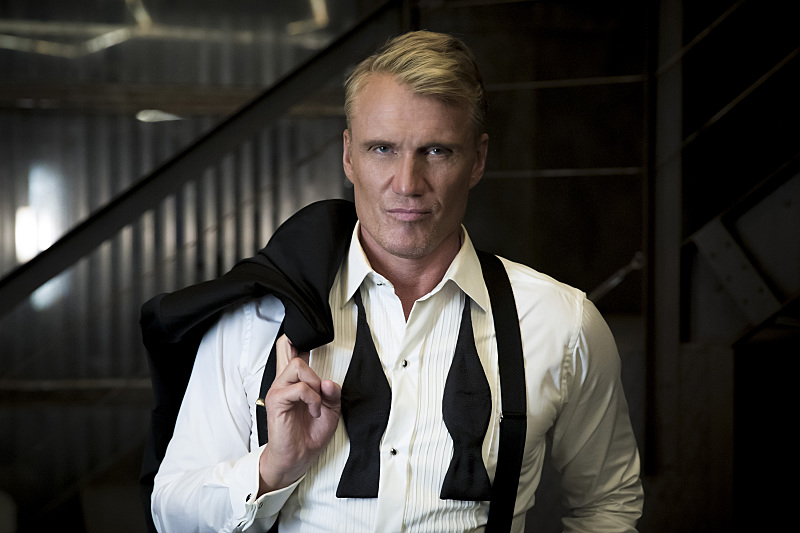 Dolph Lundgren dans Arrow, So It Begins