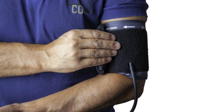 main manchette pression artérielle pouls