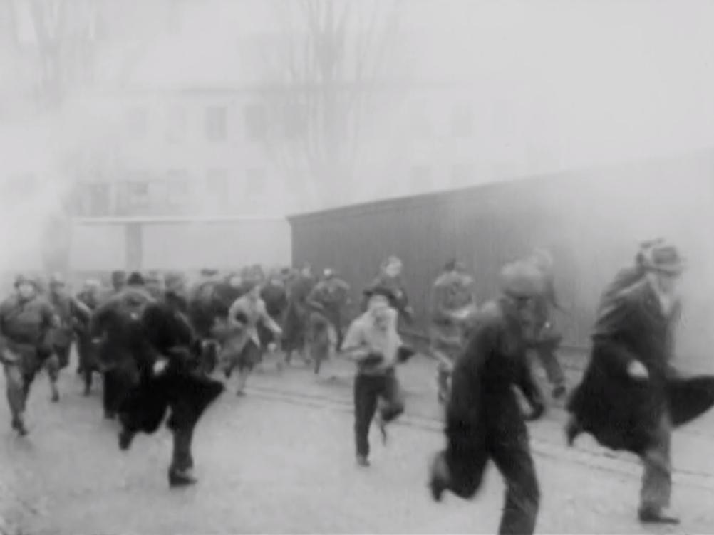 Un exercice d'évacuation à Stockholm (mars 1966)