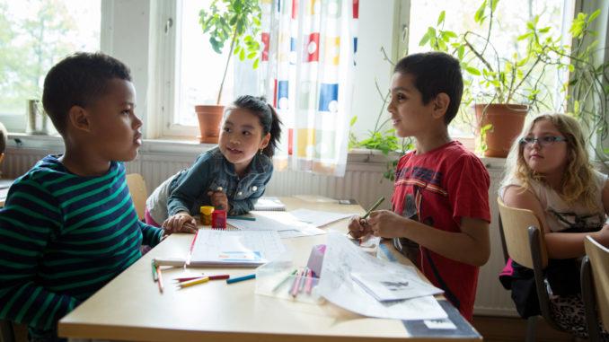 Le travail en groupe est privilégié pour les enfants en Suède.