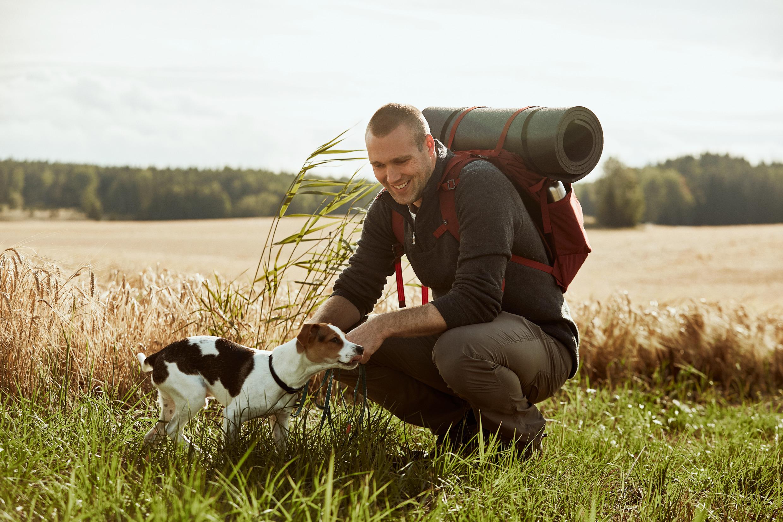 Randonneur et son chien