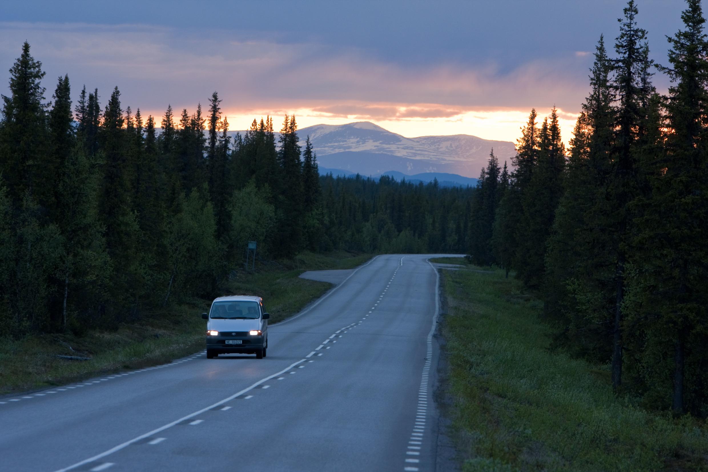 Voiture sur une route
