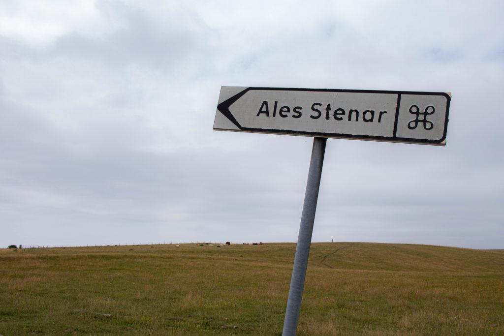 Direction, Ales stenar